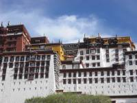 French travelers visit Lhasa Potala Palace, Tibet Tour 2009  » Click to zoom ->