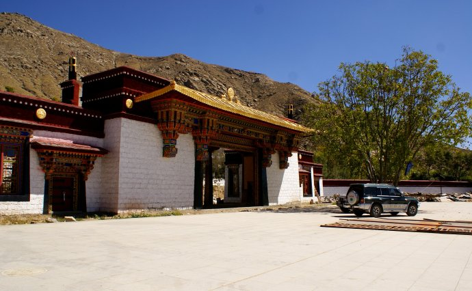 1 Day Group Tour: Drepung+Sera Monastery