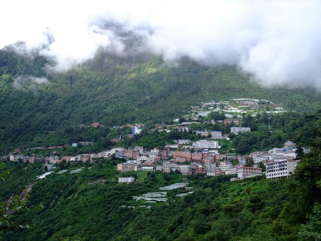 Zhangmu Town The Town Of Zhangmu Trading Port In Tibet