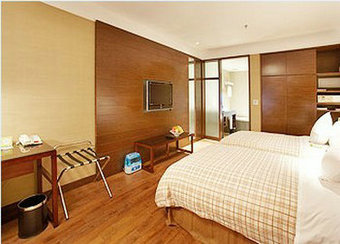 Deluxe Room in 4 Points Sheraton Hotel-Tibet Hotel Booking