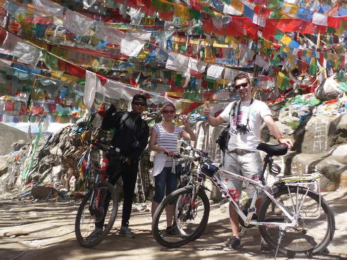 Tibet Biking discovery trip with local Tibet travel agency