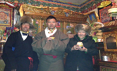 Visit Tibetan Thangka Artist and Lunch at Tibetan Home