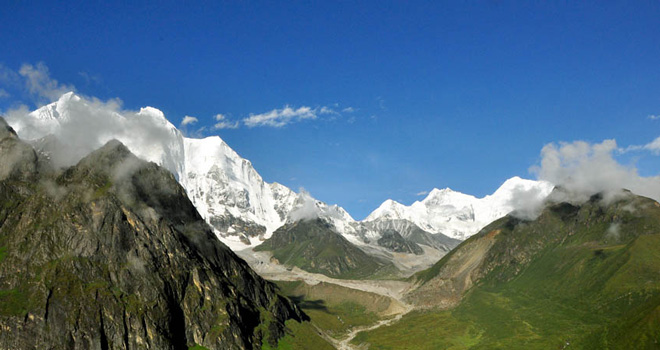 The trek to Kharta known as Khangsung Valley trek in Tibet is to explore Himalayan Grandeur